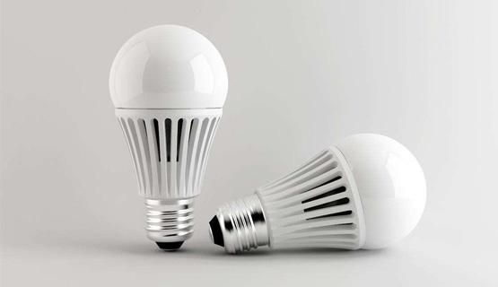 LED球泡灯点胶